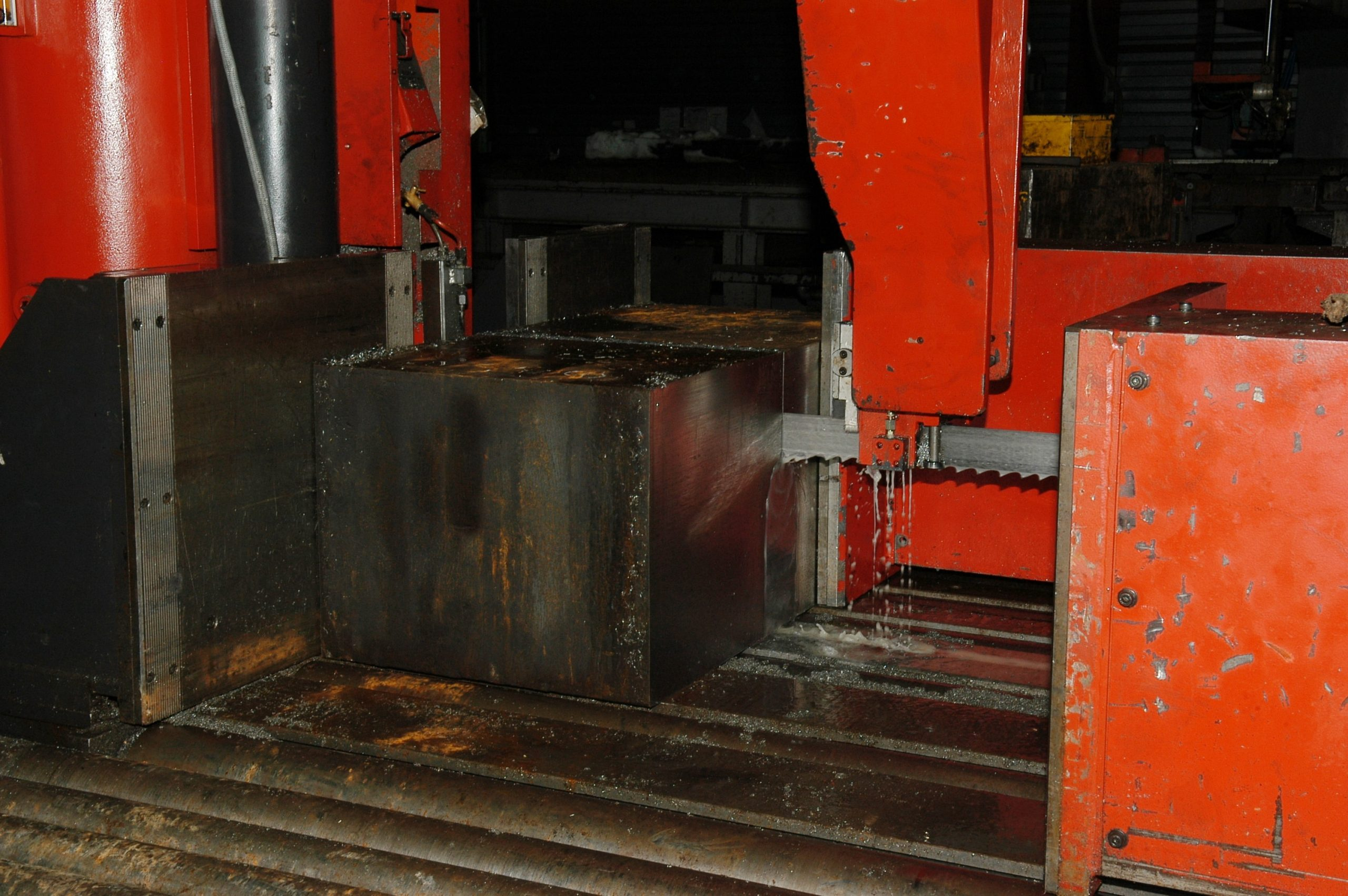 decoupe-bloc-acier-brut-lugand-aciers-1