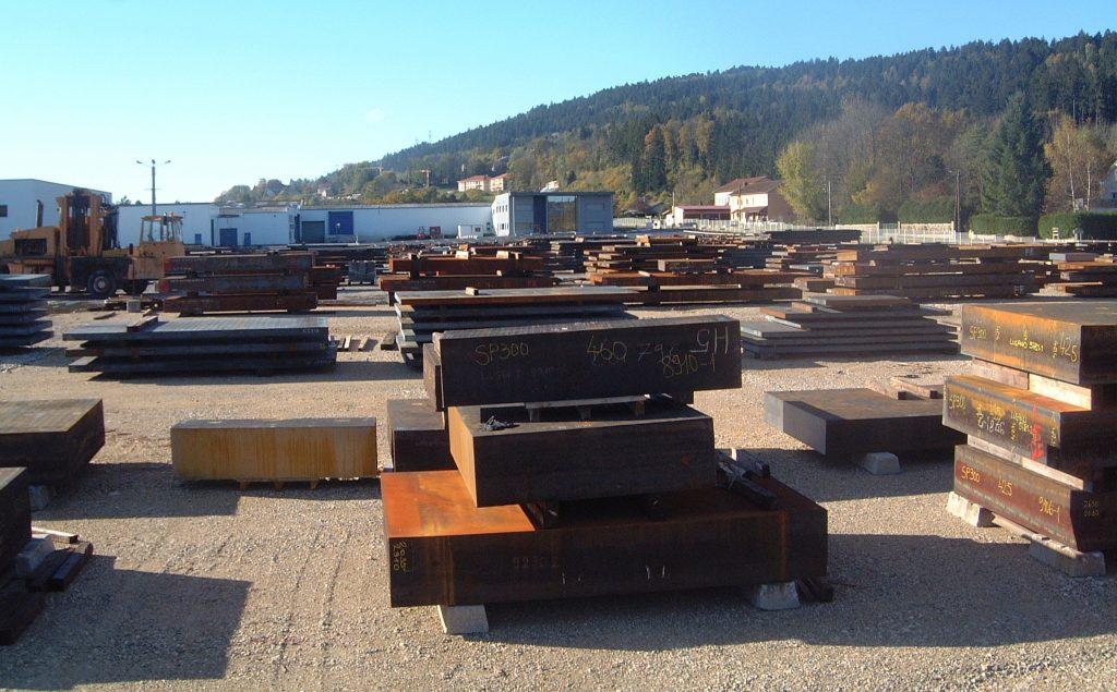 large-stock-acier-lugand-aciers-fournisseur-1